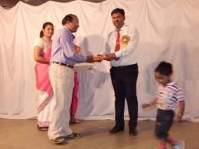 Reader of the year2015-16 Father of Piyush Yadav Class VIII B